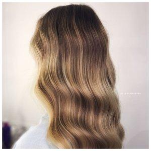 Голливудская волна - прическа на средние волосы
