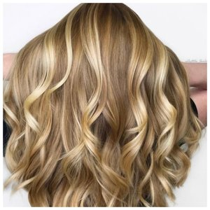 Медовый блонд волосы