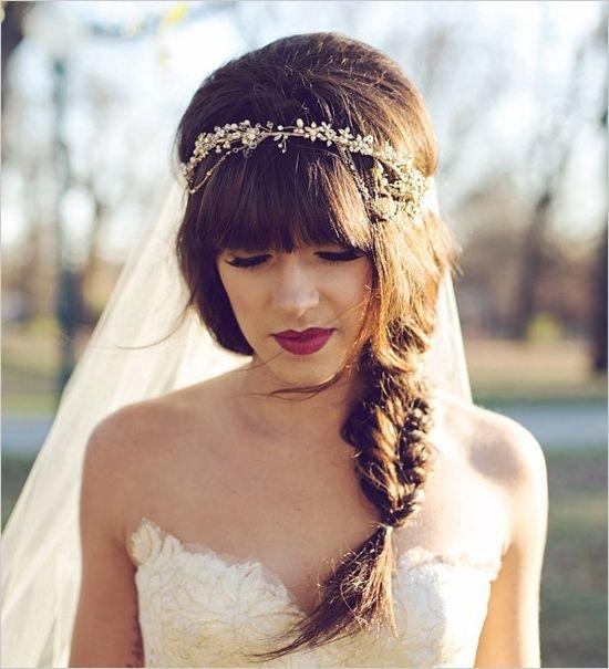 Невеста с челкой