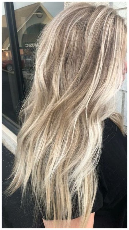 Нежное окрашивание светлых волос фото