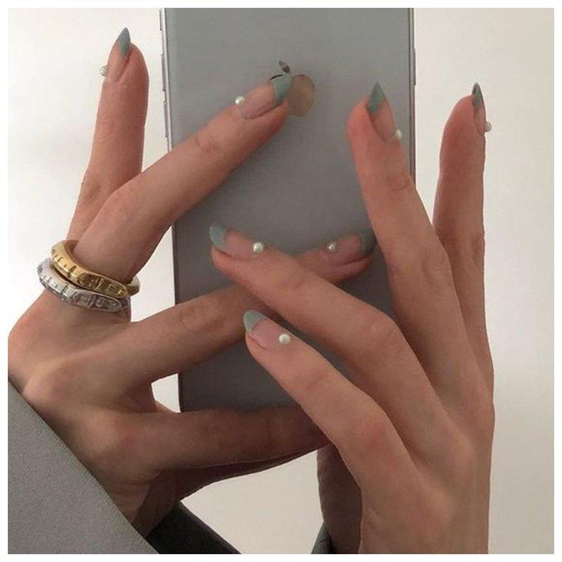 Дизайн для ногтей жемчугом