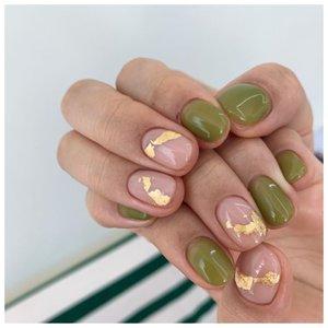 Ногти с рисунками золотом