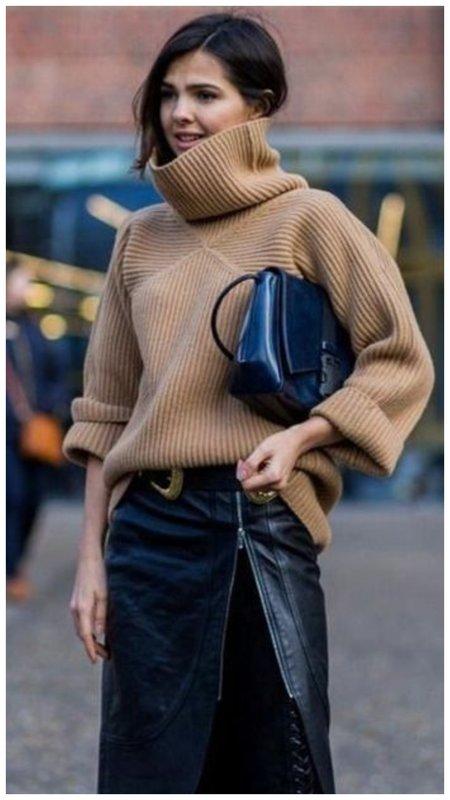 Коричневый свитер на каждый день