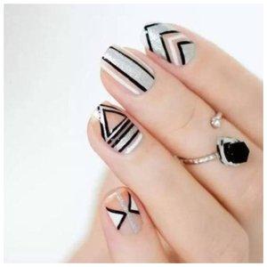 Необычный дизайн на ногтях