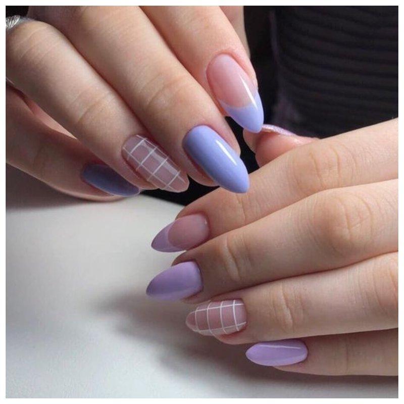 Фиолетовые ногти с дизайном клетка фото