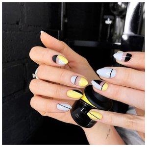 Красивые ногти с дизайном геометрия