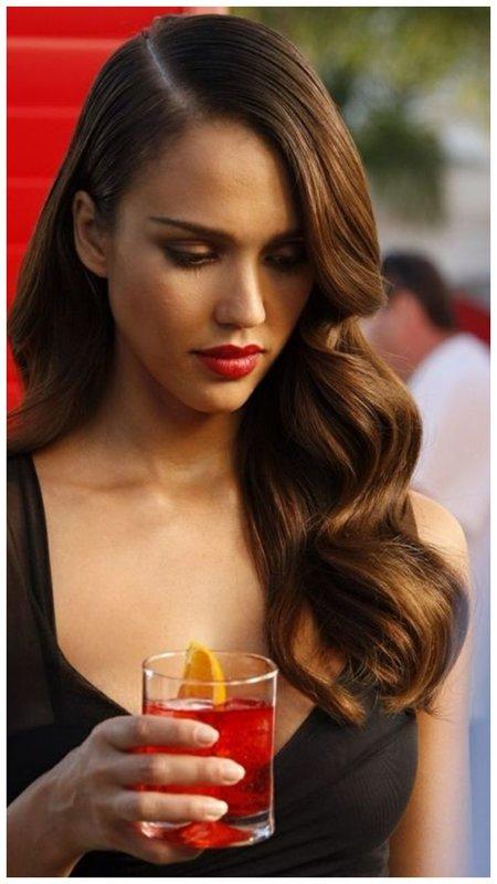 Джессика Альба длинные волосы волны