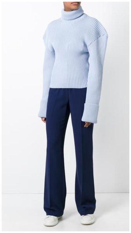Необычный свитер под брюки