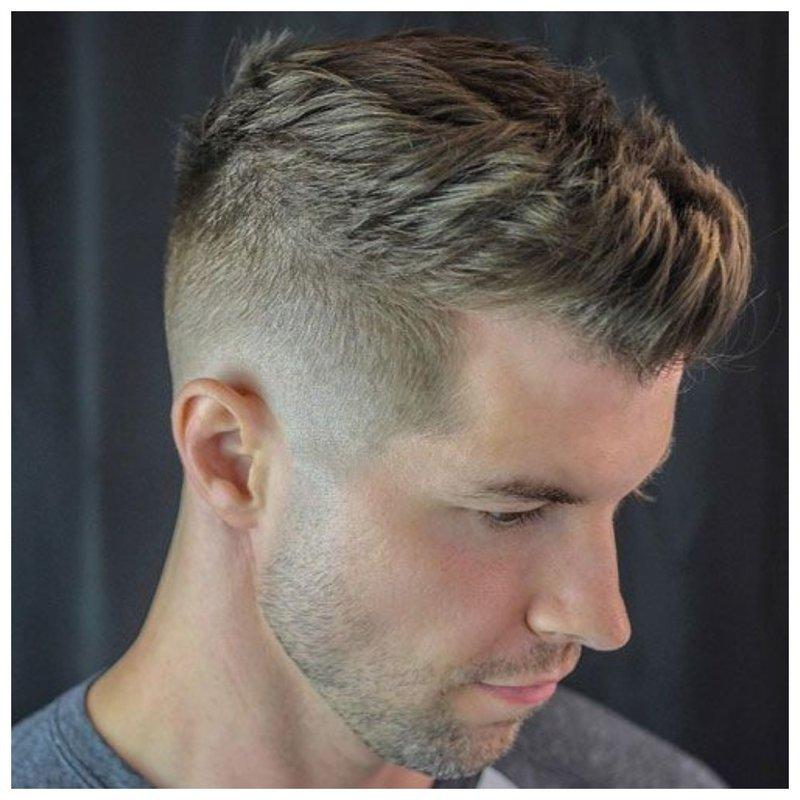 Мужская стрижка с выбритыми висками фото