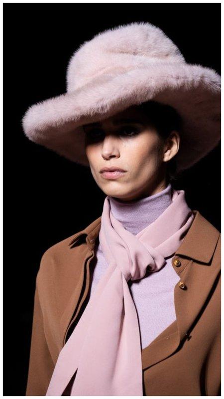 Шикарная женская шляпа