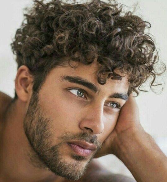Красивые мужские стрижки для кудрявых волос