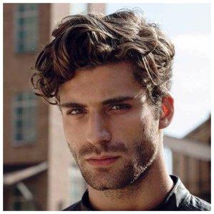 Мужская стрижка андеркат для волнистых волос