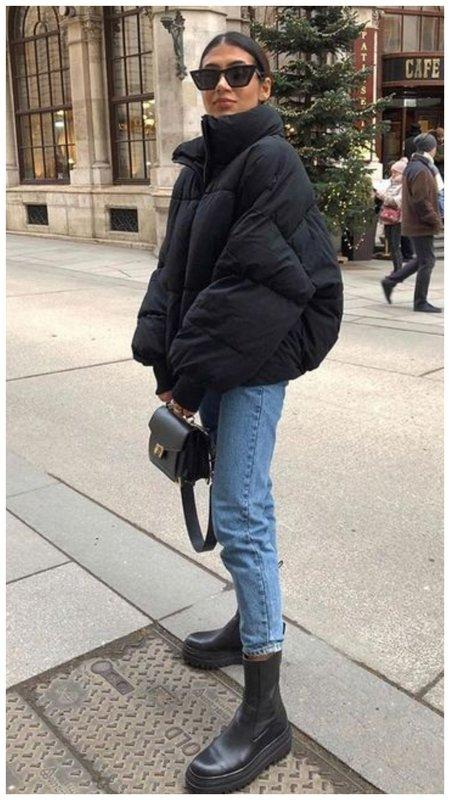 Модный образ с ботинками и пуховиком фото