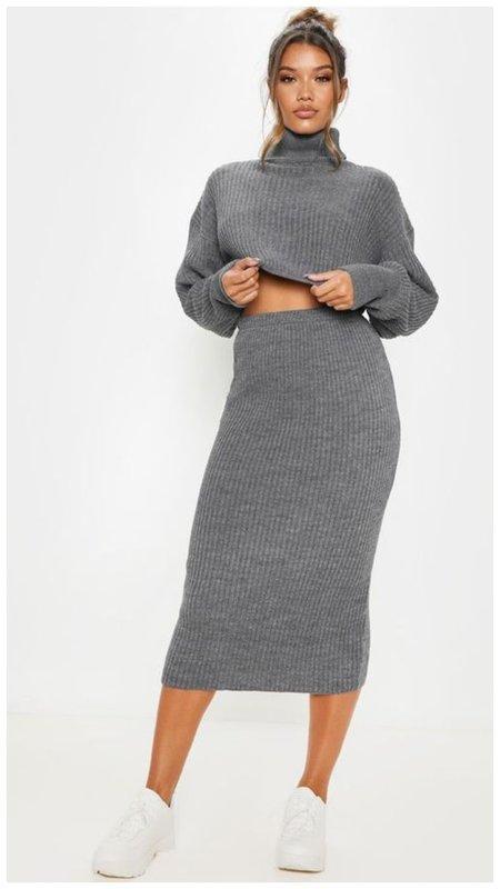 Трикотажная юбка и свитер