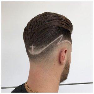 Мужская стрижка с рисунком на затылке