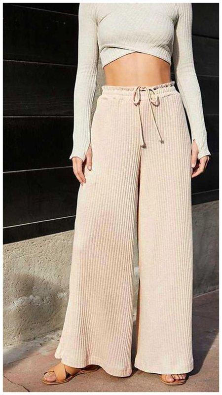 Как носить брюки из трикотажа
