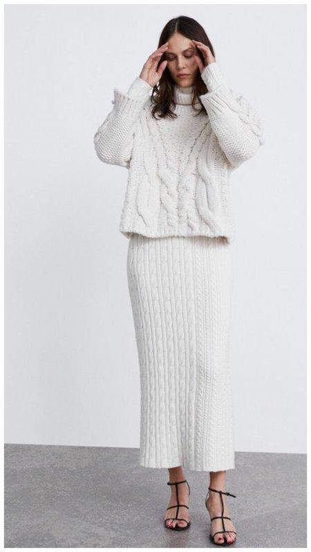 Модный трикотажный наряд