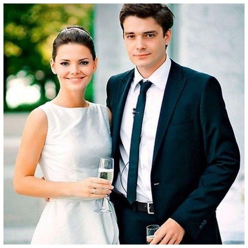 Матвеев и Боярская: фото со свадьбы