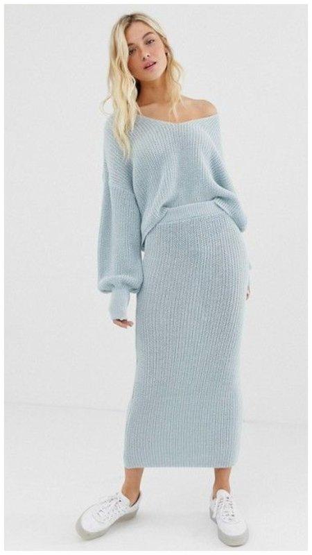 Трикотажный комплект юбка и свитер