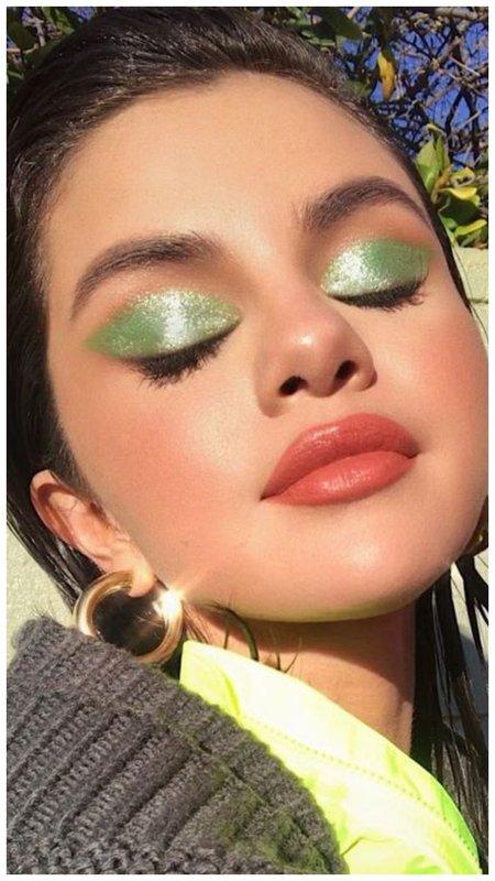 Селена Гомер зеленые тени