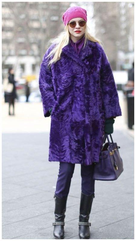 Фиолетовый образ с шубой