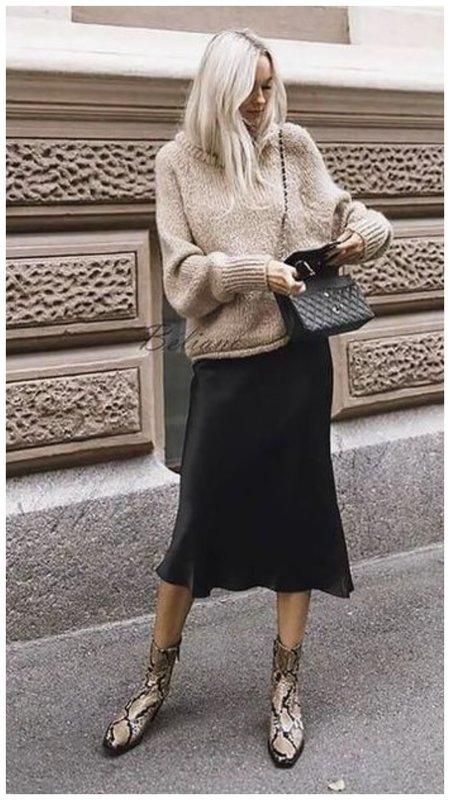 С чем носить шелковую юбку зимой