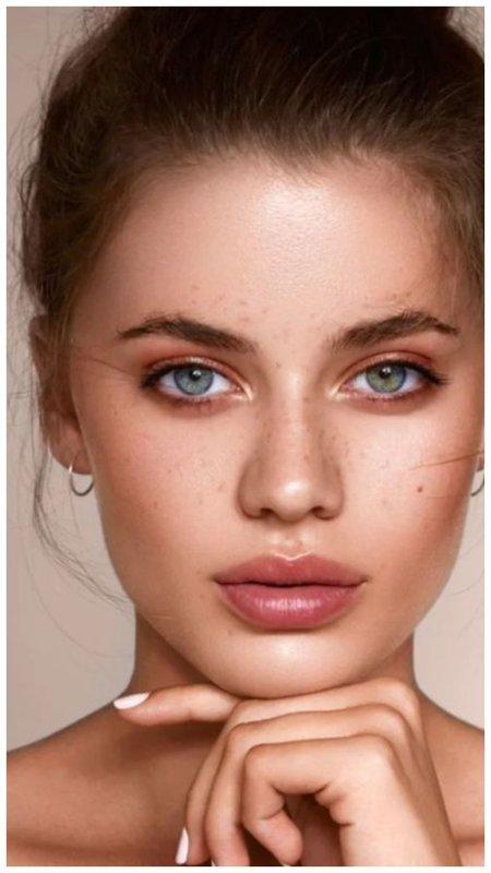 Красимся модно: тонкости основных летних трендов в макияже