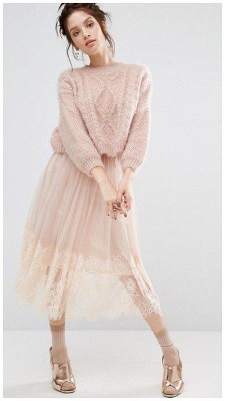 Новогодний наряд в пыльно розовом цвете