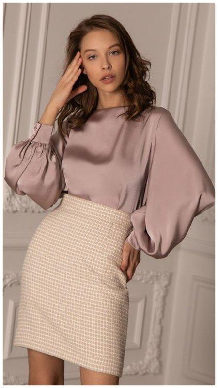 Нежная блузка на новый год