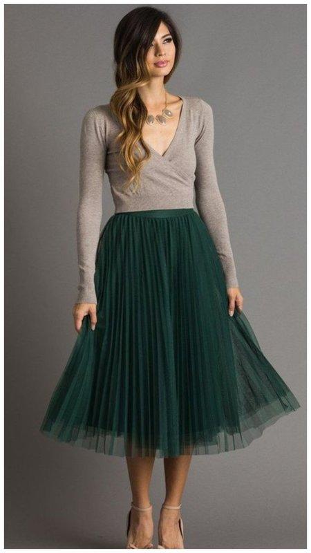 Изумрудная шифоновая юбка фото