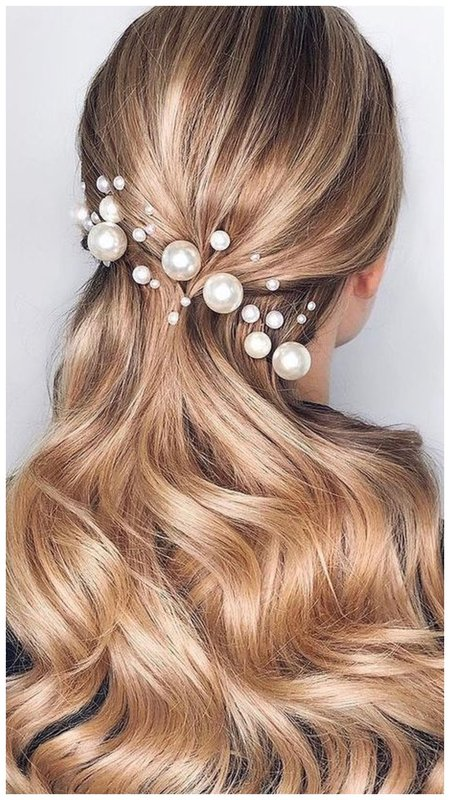 Красивая прическа для невесты с полураспущенными волосами