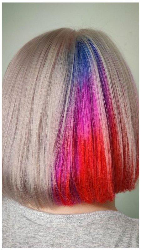 Радужные короткие волосы