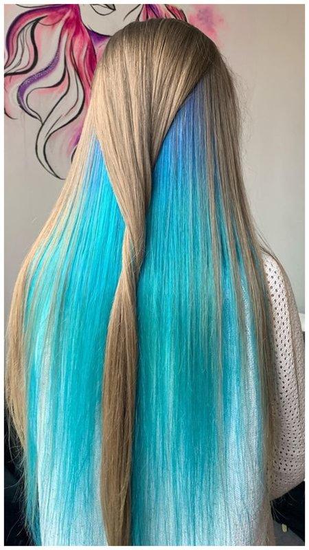 Длинные бирюзовые волосы