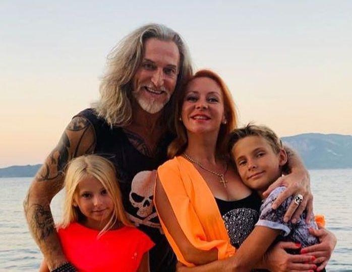 Джигурда и Анисина с детьми фото