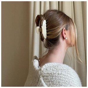 Как собрать короткие волосы крабиком