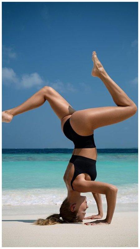 Наталья Ионова йога на море