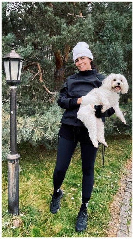 Настя Каменских с собакой