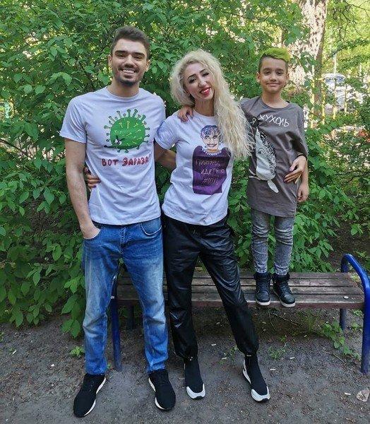 Татарка ФМ с сыновьями
