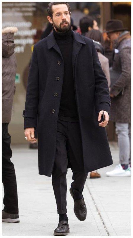 Стильный мужской наряд в черном цвете фото