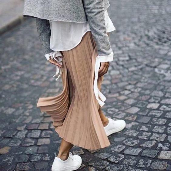 Как носить миди юбку с кедами