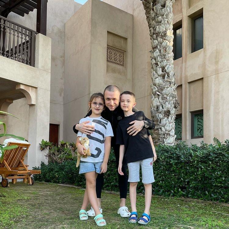 Павел Мамаев с детьми