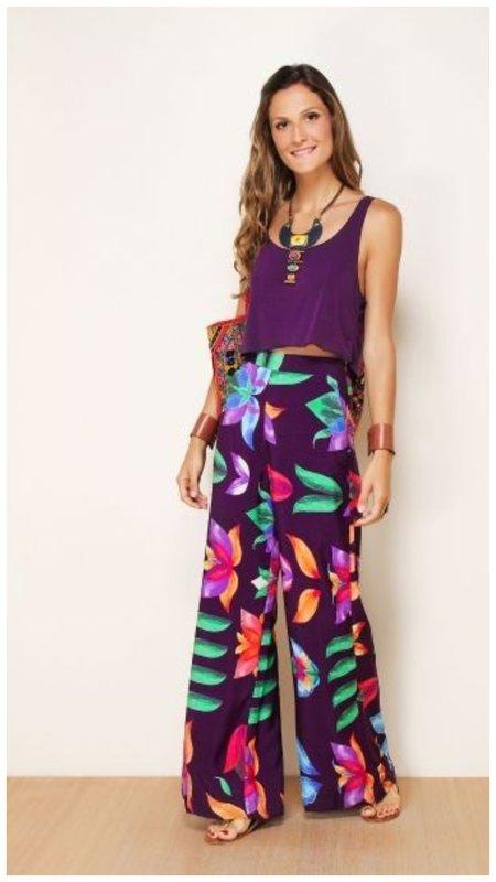 Образ с фиолетовым принтом на лето