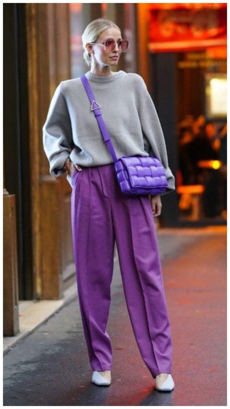 Фиолетовые кожаные брюки