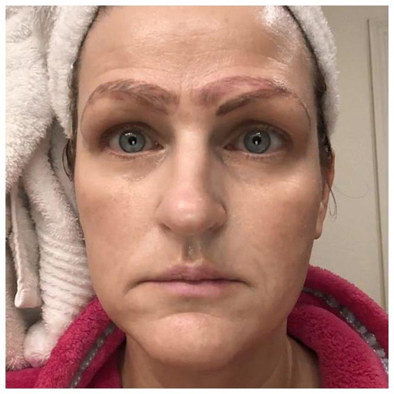 Женщина, у которой 4 брови фото