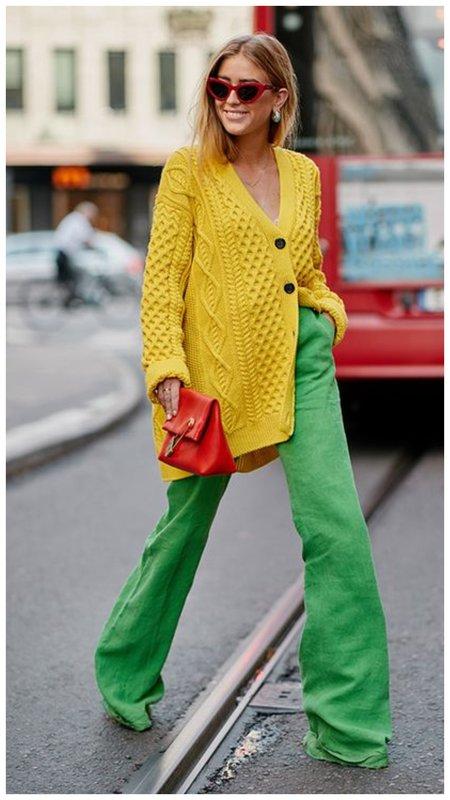 Зеленые брюки клеш