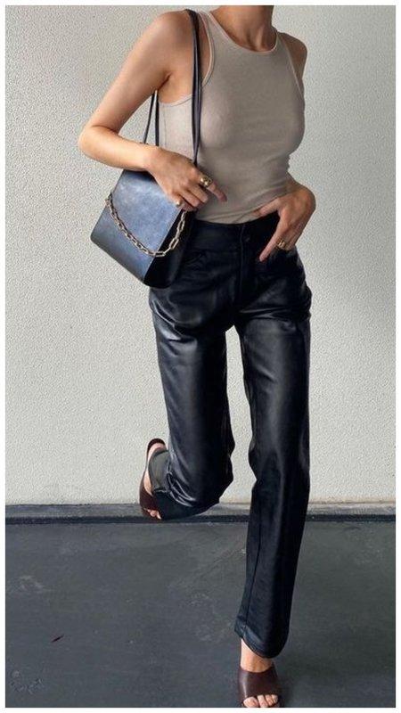 Модные женские кожаные брюки фото