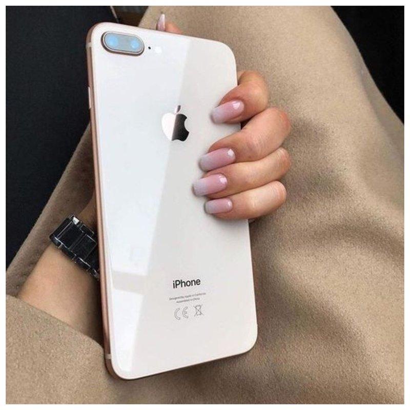 Фото ногтей с телефоном