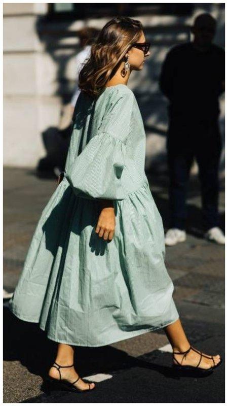 Платье-парашют мятного цвета фото