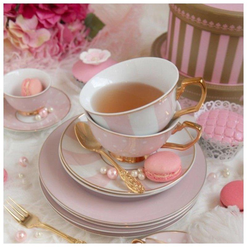 Красивые розовые чашки