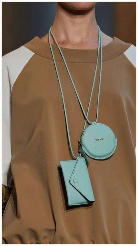 Голубая микро сумка